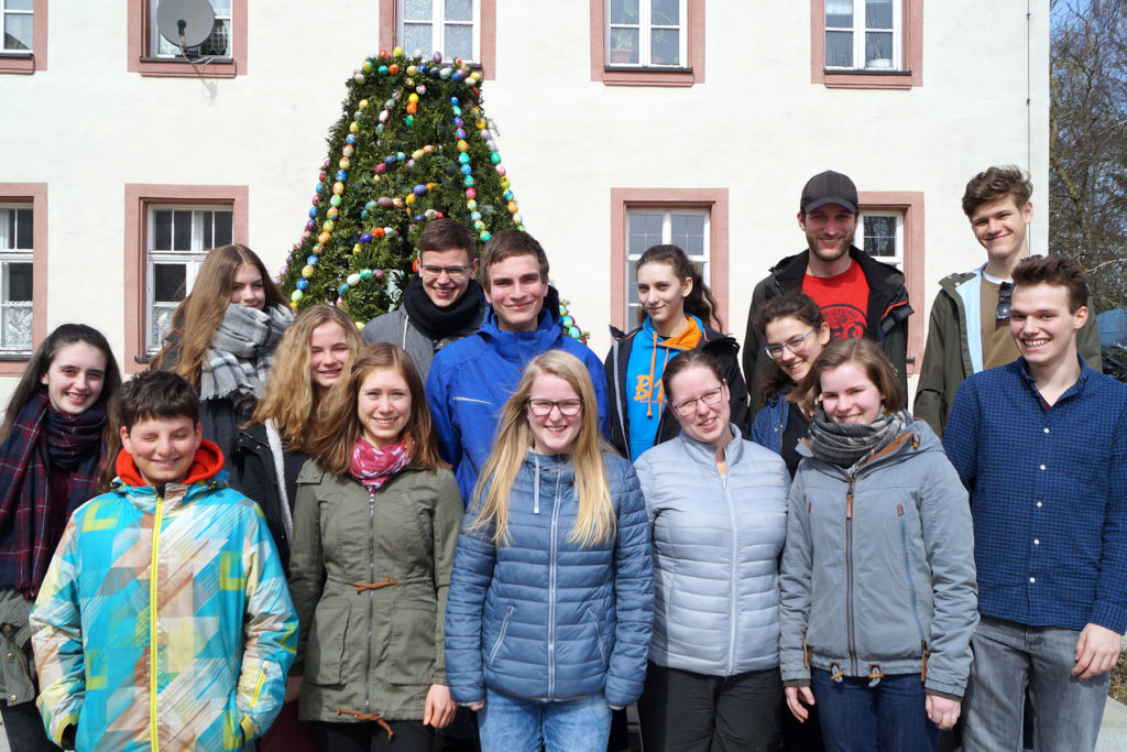 Gruppenbild mit den Teilnehmern der EC-Osterfreizeit 2018