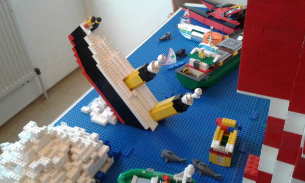 Titanic aus Legosteinen